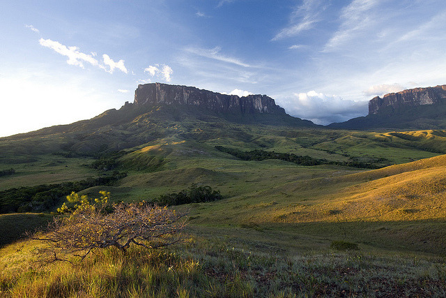 Kukenan Tepui and Mt Roraima at sunset, Canaima National Park, Venezuela