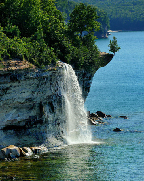 Spray Falls, Pictured Rocks, Michigan