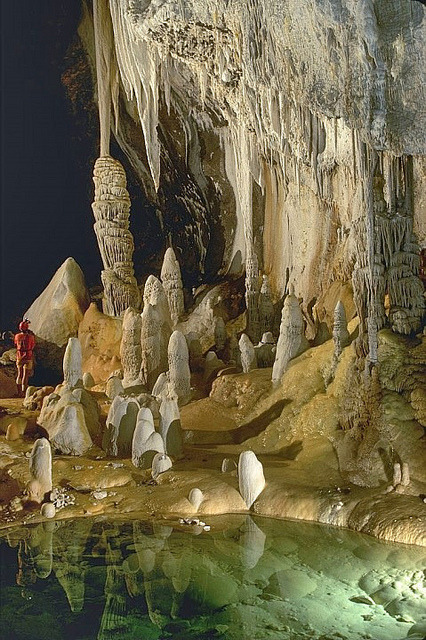 Lechuguilla Cave in Carlsbad Caverns National Park, the seventh longest cave in the world, with 216 km, New Mexico, USA