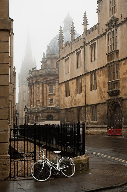 Ancient Street, Oxford, England