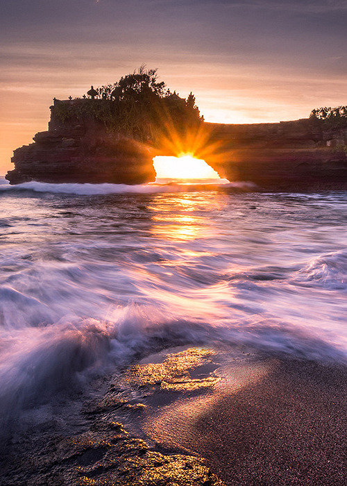 Tanah Lot, Indonesia