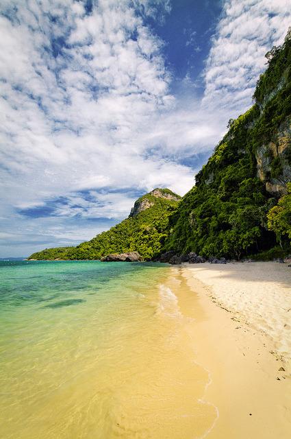 Koh Mae Koh island in Ang Thong Marine National Park, Thailand