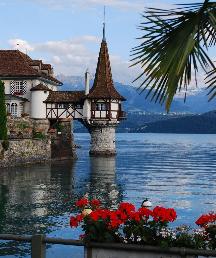 Oberhofen Castle on Lake Thun / Switzerland