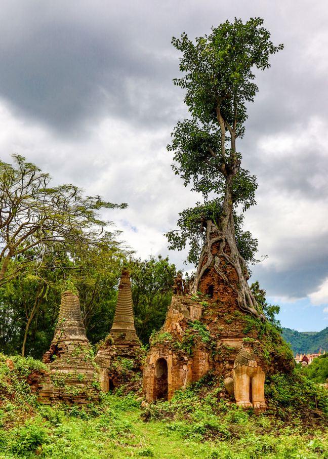 Shwe Indein Pagoda / Myanmar